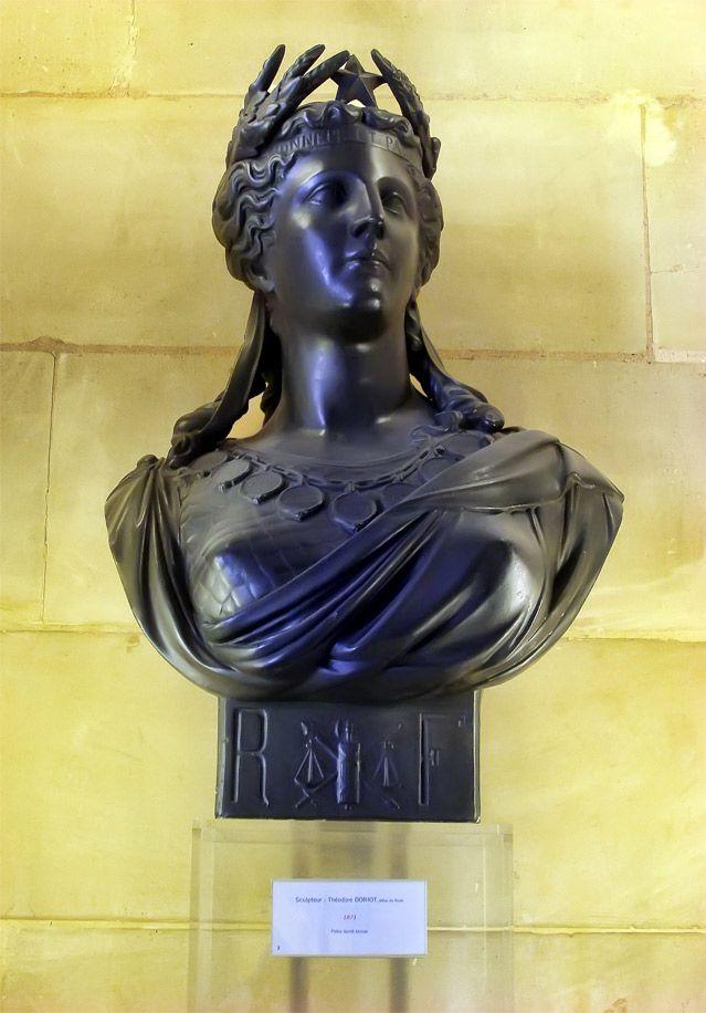 Buste de Marianne sculpté par Théodore Doriot et exposé au Sénat.