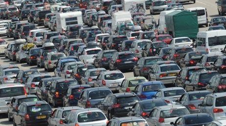 Les poids lours interdits d'autoroute le 15 août