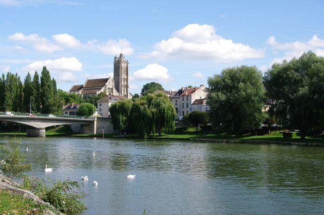Vue générale de Beaumont sur Oise (Val-d'Oise)