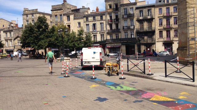 Y aura-t-il encore du retard pour le début des travaux de la place Saint-Michel?