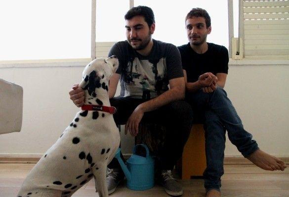 David et Khader avec leur chien