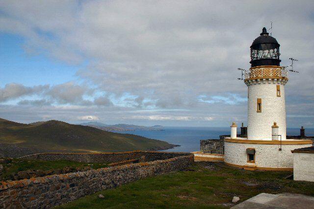 Phare de Barra Head avec les îles de Mingulay, Pabbay, Sandray et Barra, Hébrides extérieures, Écosse