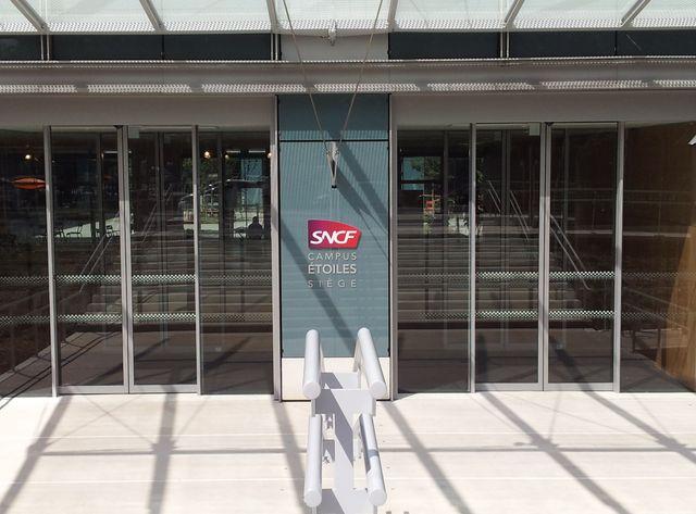 Façade du nouveau siège de la SNCF