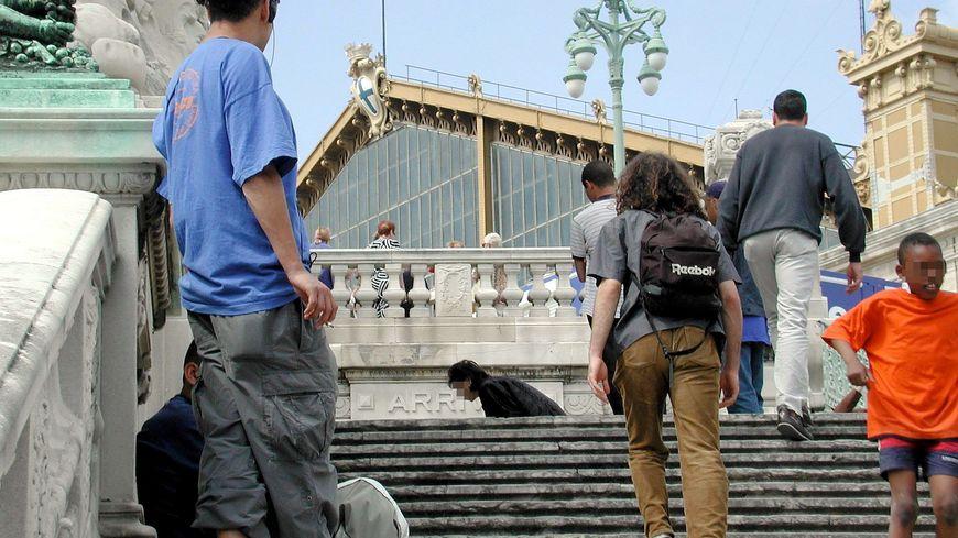 L'étudiant se rendait à la gare Saint-Charles de Marseille pour aller chercher une amie.