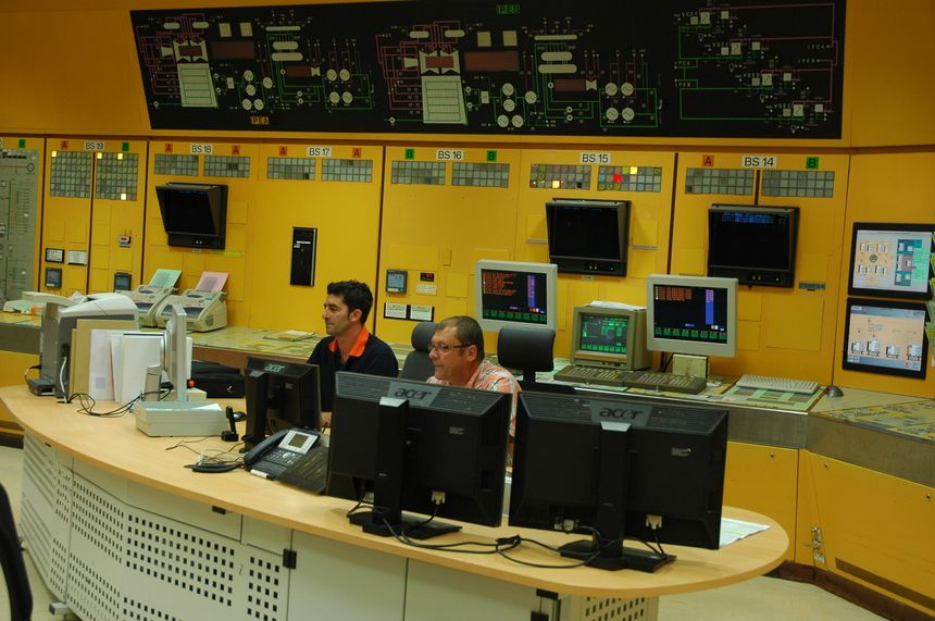 Superphoenix, Centrale de mal ville -  L'ancienne salle de commandes de la centrale, transformée en salle de surveillance