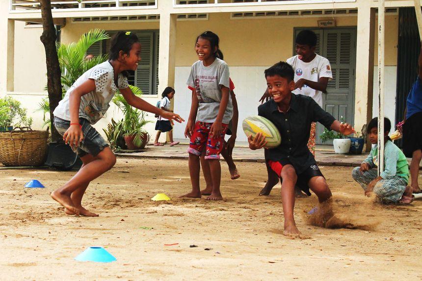 Les armes des jeunes cambodgiens : l'agilité et la vitesse