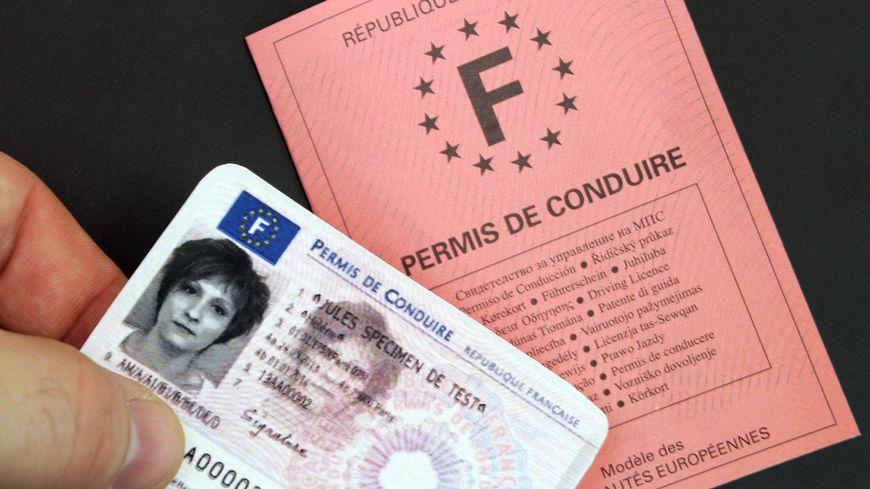 Hervorragend INSOLITE | Un Normand se rend à l'examen du permis de conduire au  HK59