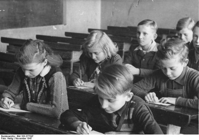 Une école allemande en zone d'occupation soviétique en novembre 1947