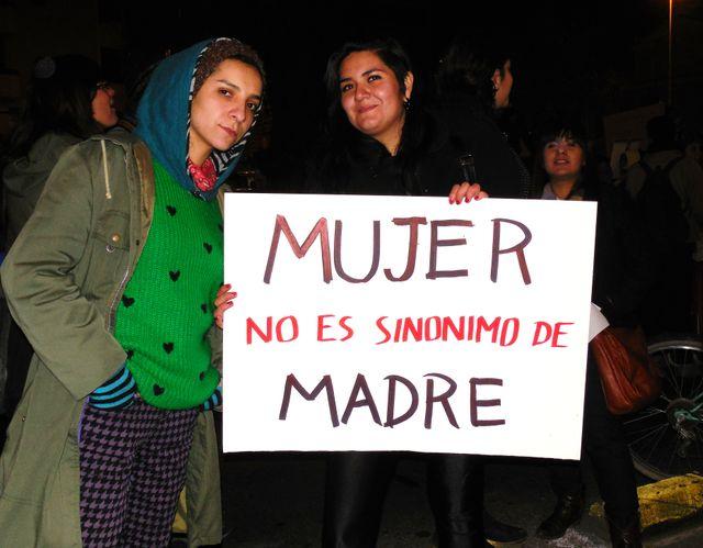 """Femme n'est pas synonyme de mère"""". Manifestation pour l'avortement, 25 juillet dernier, Santiago"""