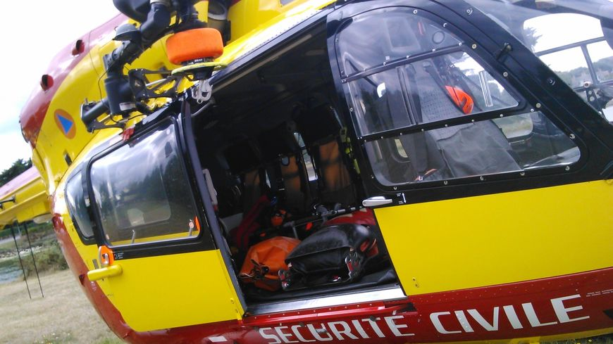 """Hélicoptère """"Dragon"""" de la Sécurité Civile"""