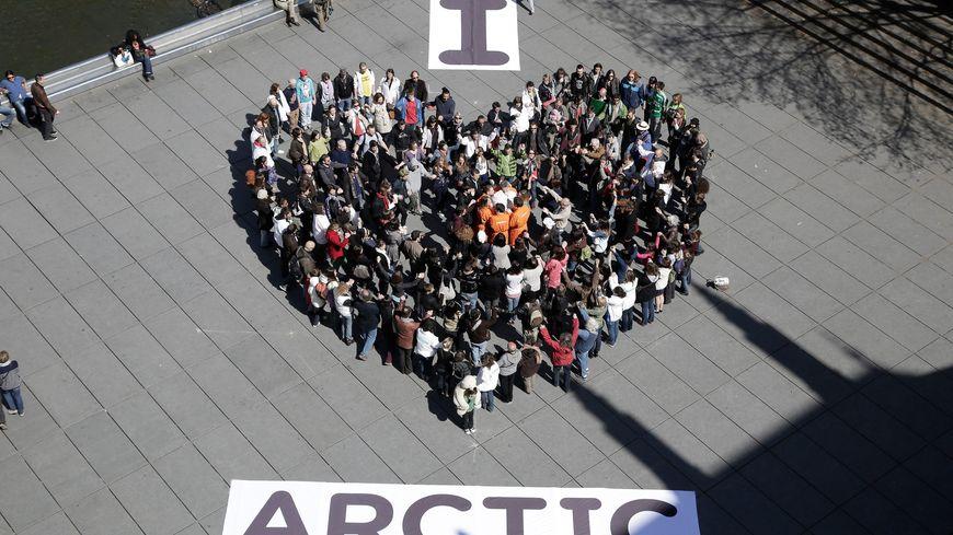 Une manifestation de Greenpeace pour alerter sur le réchauffement, en avril dernier à Paris