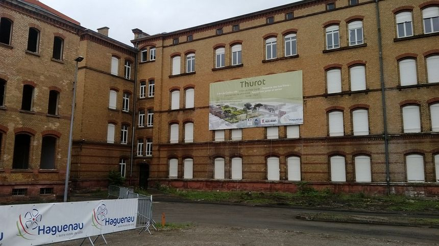 façade d'un bâtiment de la caserne Thurot qui ne sera pas démolie