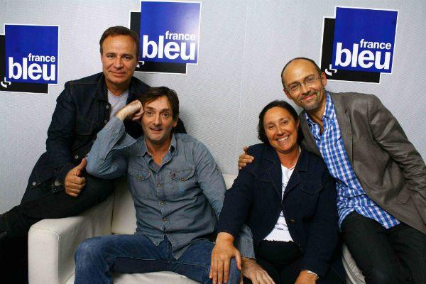 Pierre Palmade avec l'équipe de l'émission