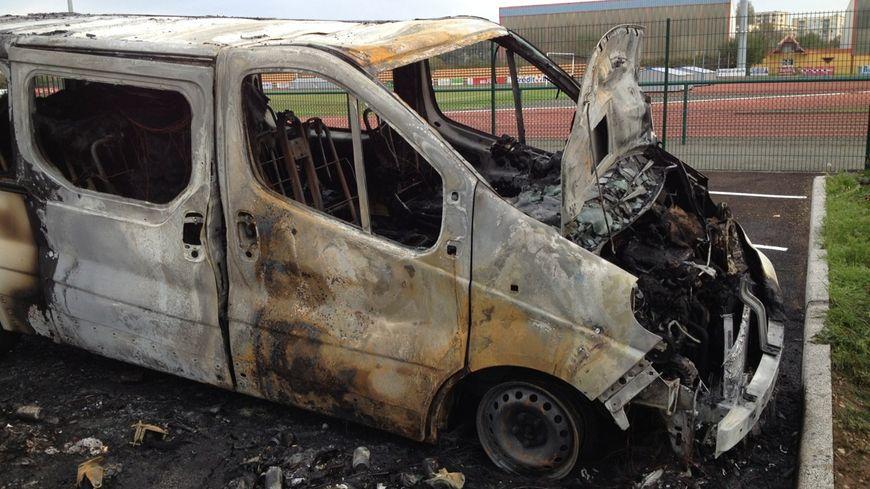 Belfort bus incendié brûlé ASM feu