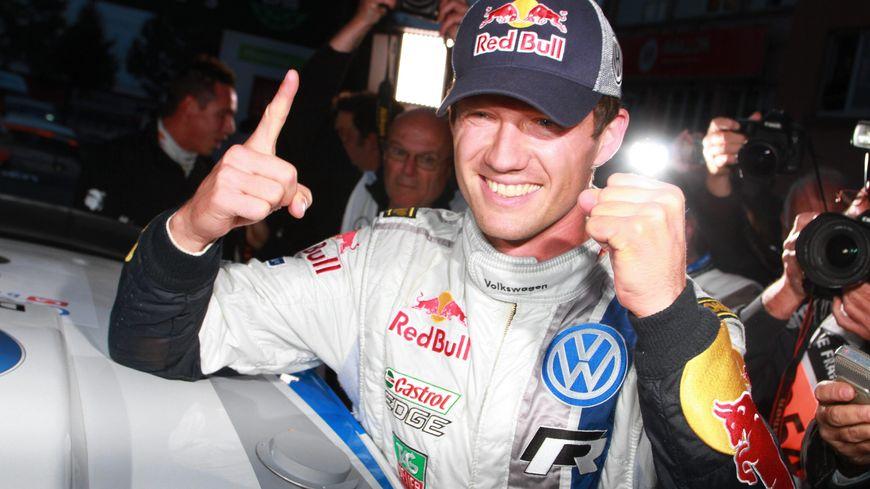 Sébastien Ogier remporte le championnat du monde de rallye (WRC) 2013 à Strasbourg.