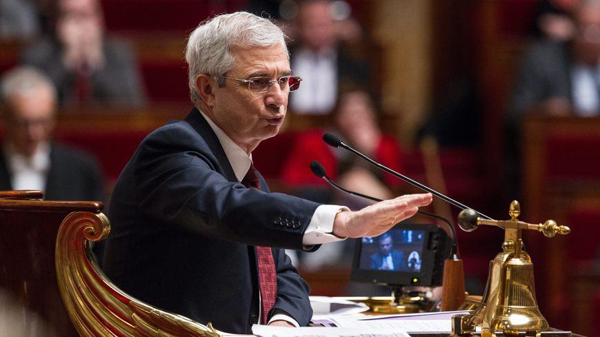 Le président de l'Assemblée nationale Claude Bartelone a dû suspendre la séance mardi soir.