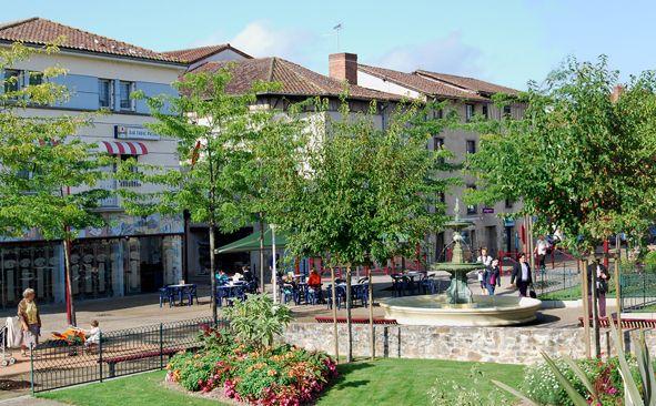 Saint-Junien (Haute-Vienne) - Square Curie
