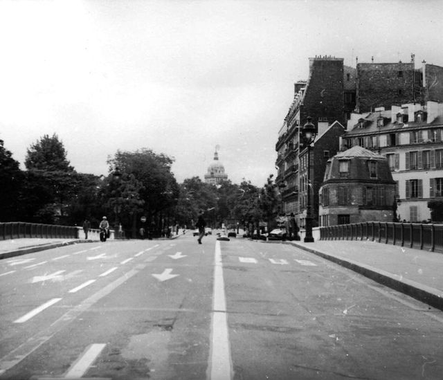 Vue du Panthéon depuis le pont Sully en 1981 - Todor Atanassov