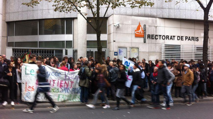 Manifestation pour Khatchik devant le rectorat dans le 20ème arrondissement