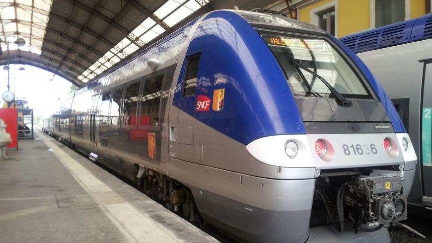 TER en gare d'Avignon