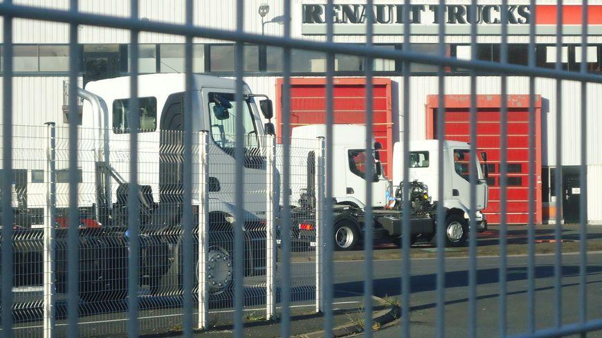 une bonne nouvelle pour l 39 emploi l 39 usine renault trucks de blainville sur orne. Black Bedroom Furniture Sets. Home Design Ideas
