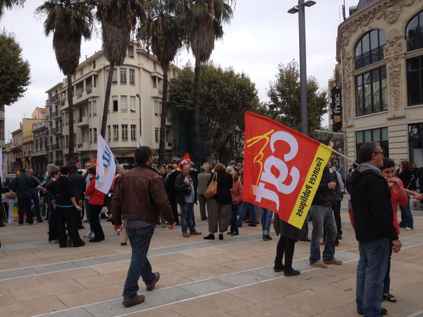 300 manifestants Place de Catalogne