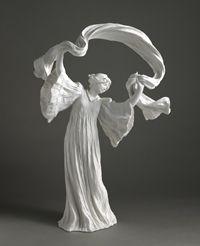 Van Weydeveldt Agathon-Danseuse du surtout du Jeu de l'écharpe biscuit de porcelaine dure nouvelle Sèvres, Cité de la céramique