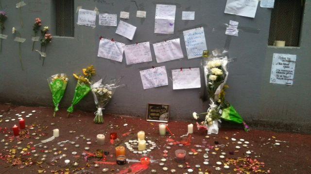 Le mur d'entrée de l'immeuble où s'est déroulé le drame de la Benauge