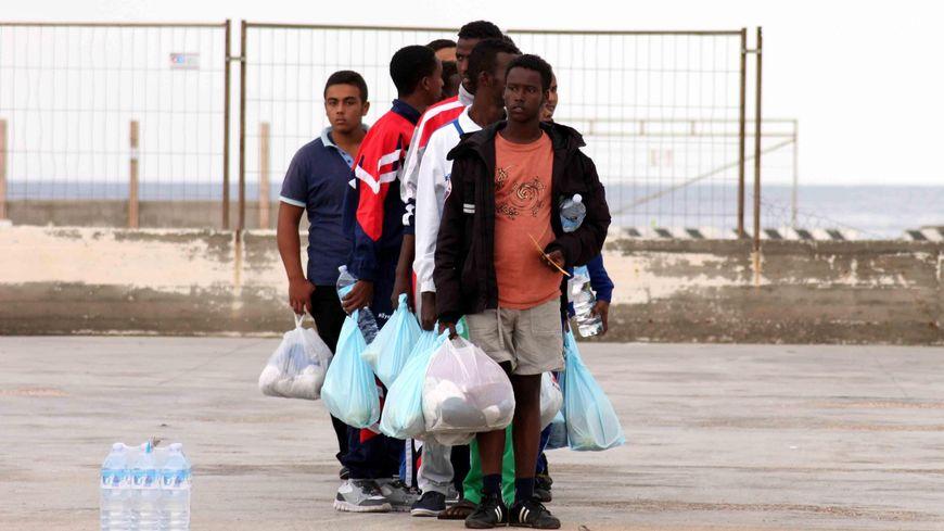 Des migrants sur l'île italienne de Lampedusa