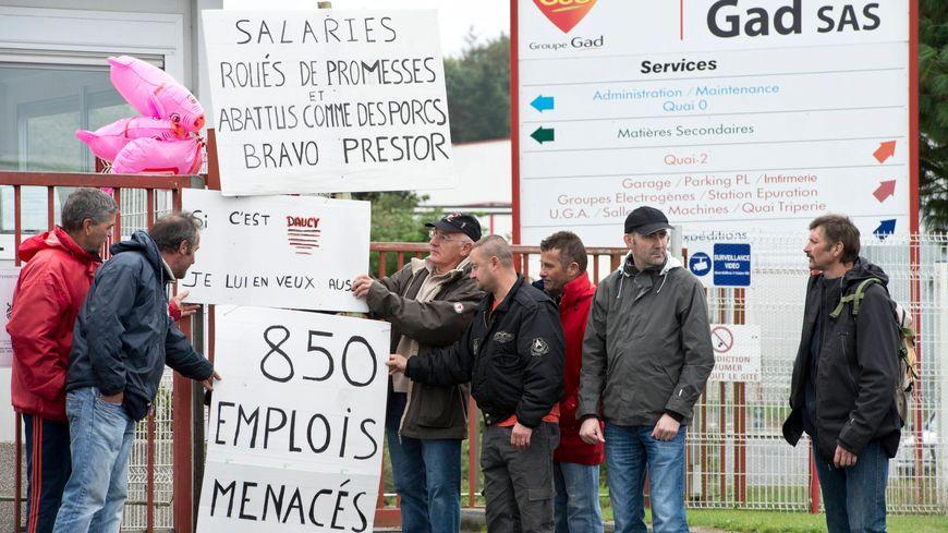 Les salariés de Gad à Lampaul, lors d'un blocage du site, en septembre