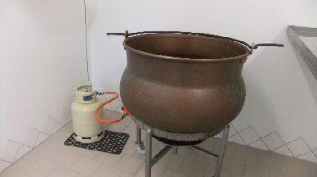 Le chaudron pour la fabrication de la tomme