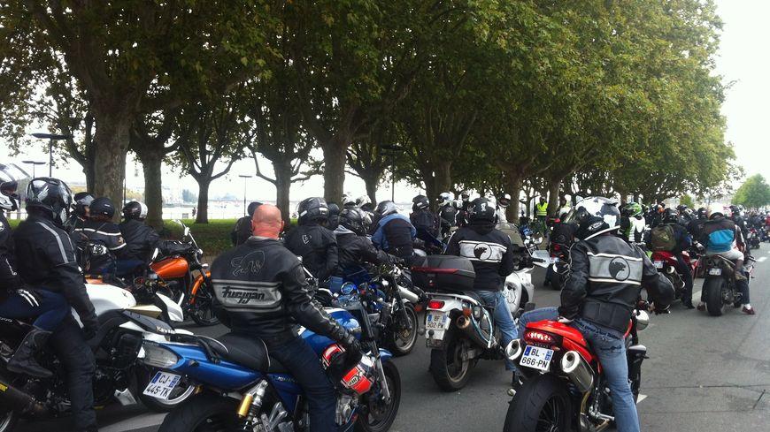 3000 motards avaient manifesté à Bordeaux le 19 octobre contre la suppression de l'éclairage sur la Rocade