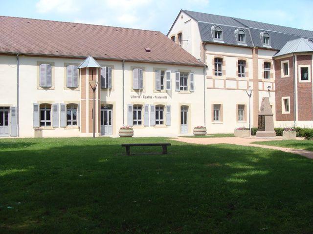 Avermes (Allier) - Hôtel de ville