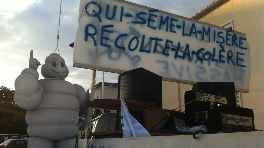 Les salariés de Michelin Joué-lès-Tours ont laissé exploser leur colère.