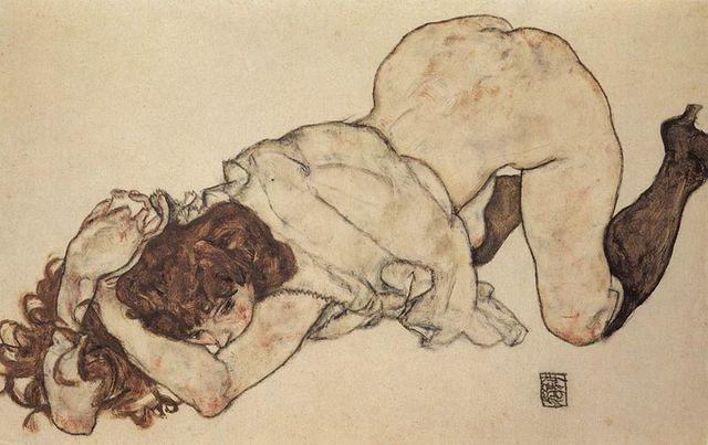 Jeune fille à genoux sur les deux coudes appuyés - Egon Schiele