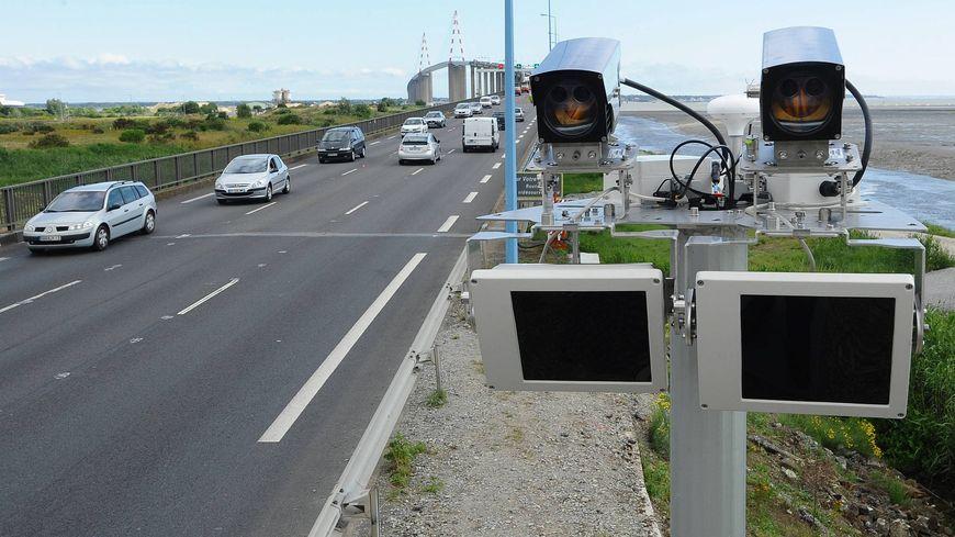 Un radar tronçon intelligent sur le pont de Saint Nazaire.