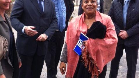 Christiane Taubira en visite dans la Drôme, à Sainte-Croix, le 19 octobre 2013.
