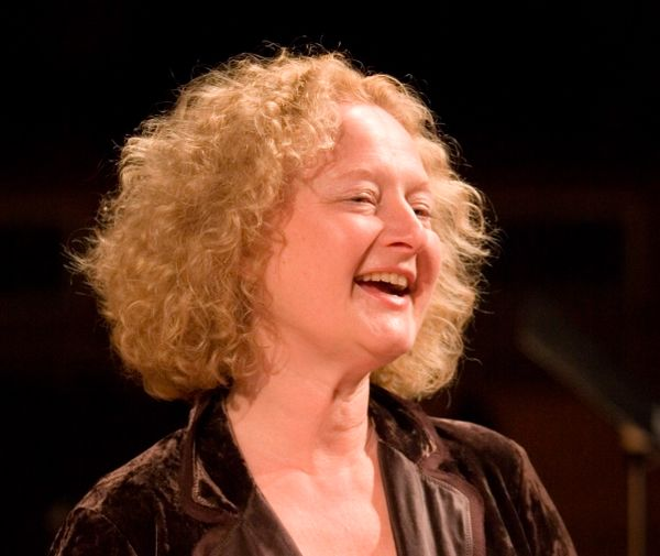 Anne Azéma, directrice musicale de la Boston Camerata