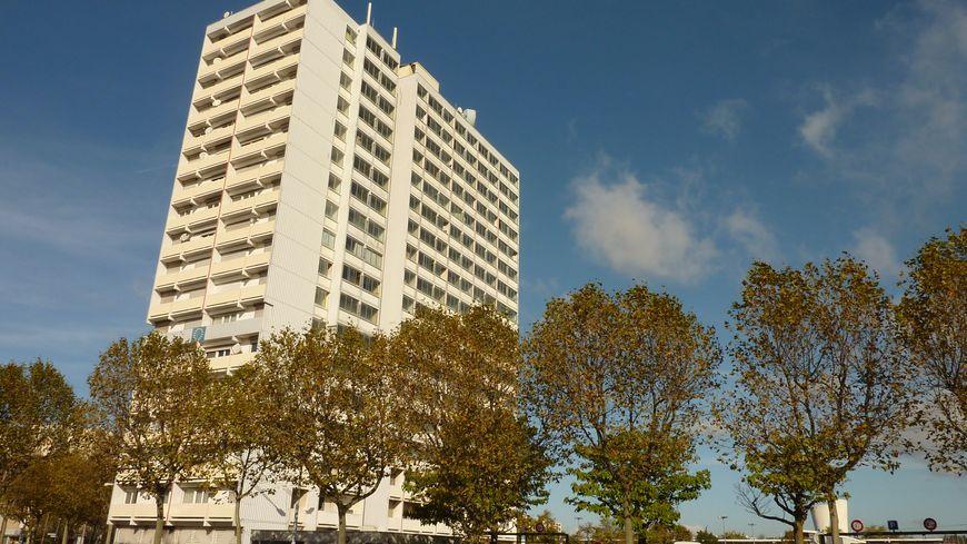 Un immeuble du quartier Fontbarlettes à Valence. Image d'illustration.