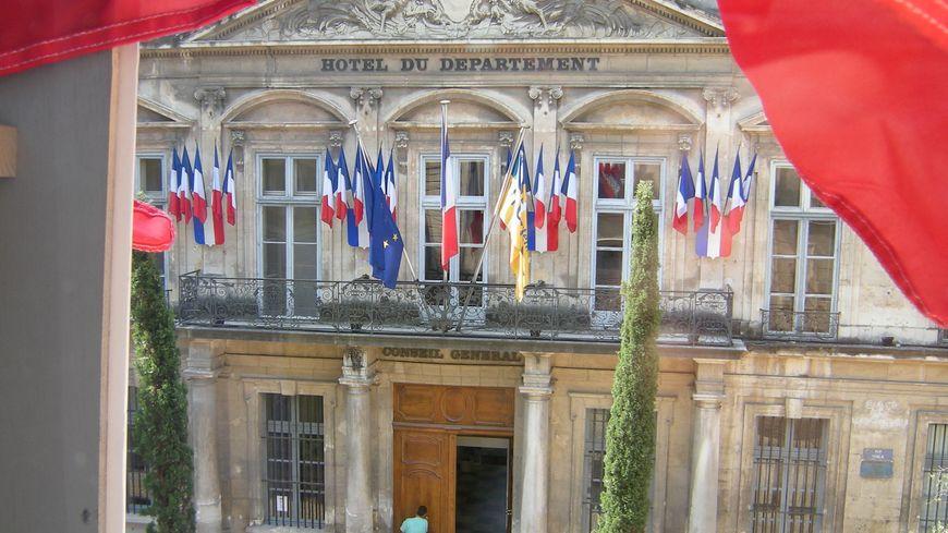 Conseil général de Vaucluse vu de la préfecture