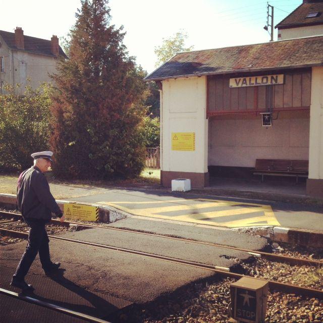 """Nous prendrions le train de 4h 2... """"La Gare"""" de Vierzon, dans le roman, ne peut être que celle de Vallon, à 4 kms de Ste Agathe"""