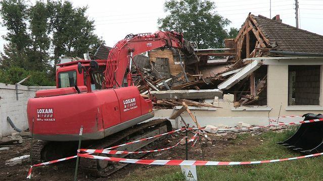 La maison en cours de démolition