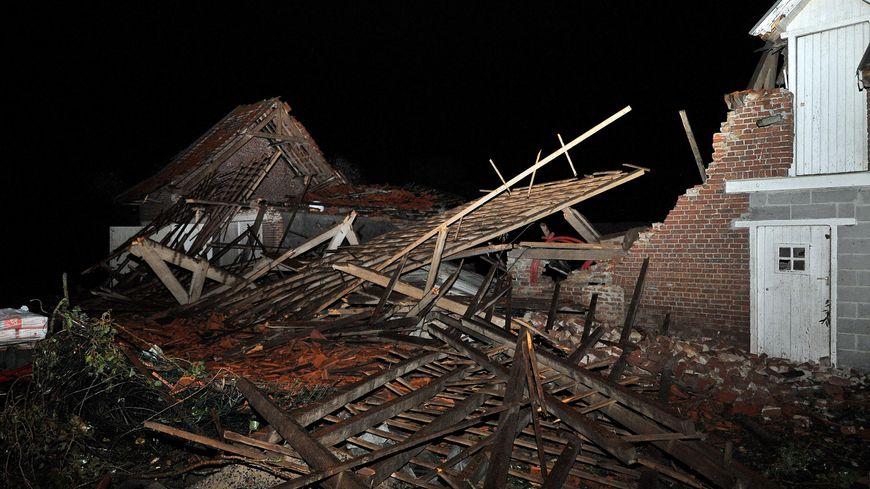 Une mini tornade s'est abattue sur la commune de Bailleul dans le Nord