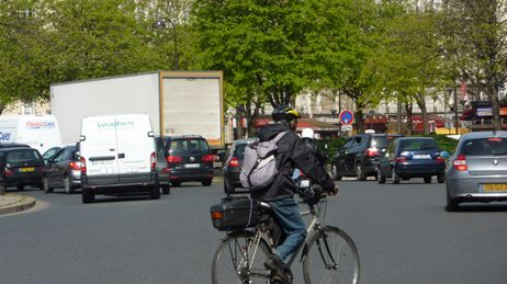 Vélo dans la ville à Paris