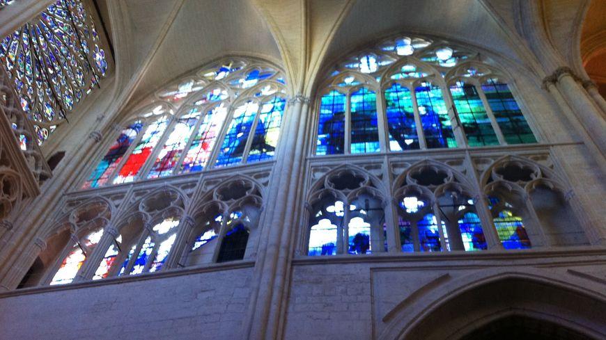 Les nouveaux vitraux de la cathédrale Saint-Gatien de Tours.