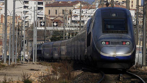 Poste d'aiguillage de la SNCF installé pres de la Gare Saint-Charles