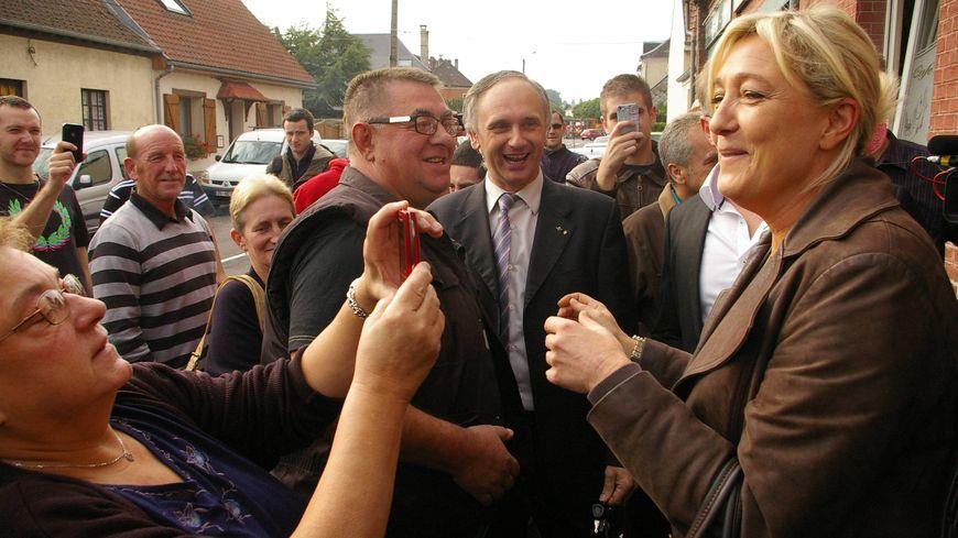 La visite de Marine Le Pen à Condé-Folie et l'Etoile dans la Somme le 9 octobre 2012