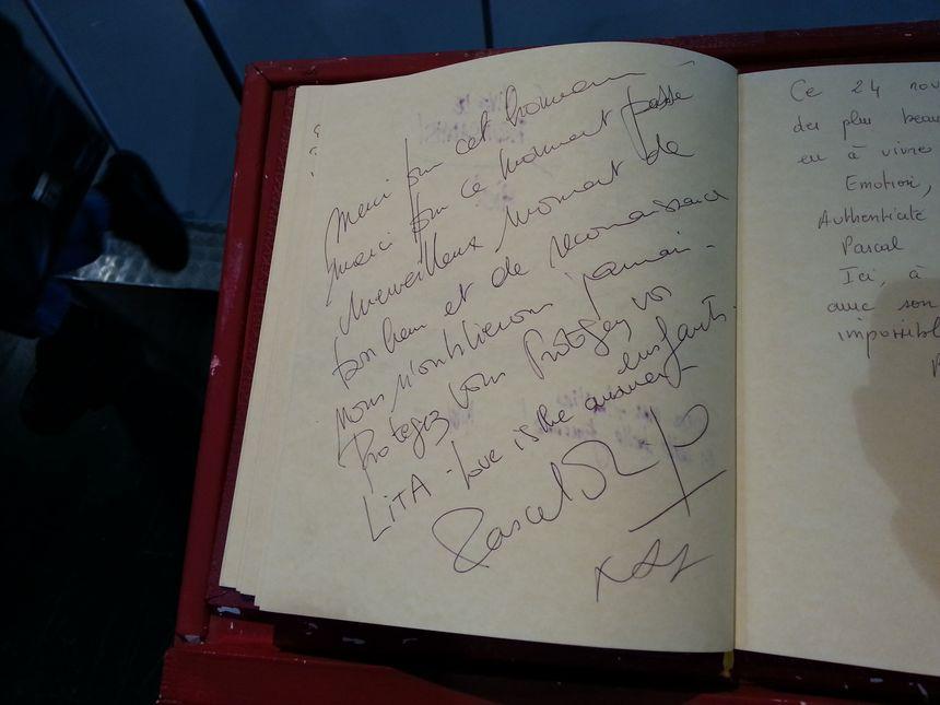 """""""Merci pour cet honneur"""" a écrit Pascal Obispo"""