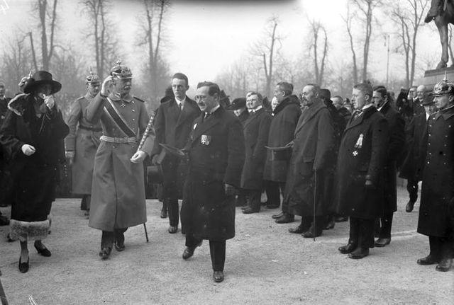 Le Prince héritier Rupprecht de Bavière accueillant des anciens combattants à Munich en 1931 pour une commémoration