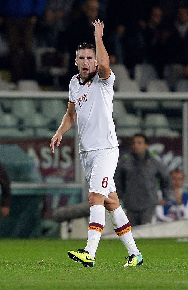 Réaction de Kevin Strootman de l'AS Roma dans un match contre Turin